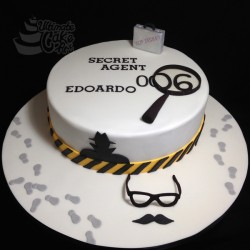 Secret-Agent-cake